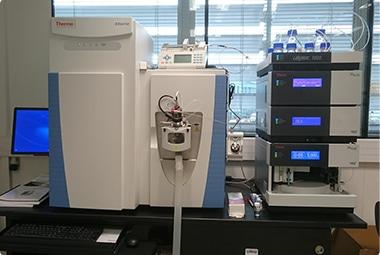 Orbitrap couplé à système UHPLC